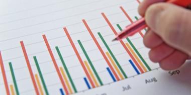 スマホ利用率・所持率についての検討